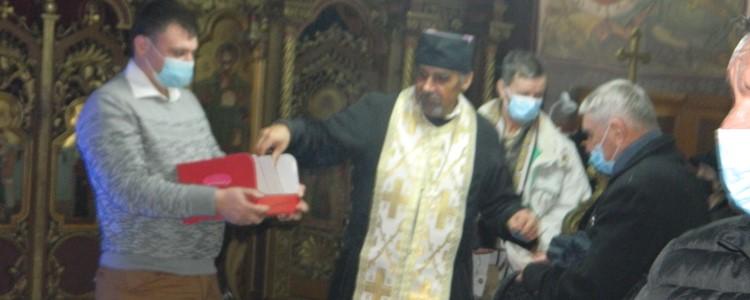 """""""Darul lui Moș Crăciun"""" la Biserica Ortodoxă """"Nașterea Maicii Domnului"""" din Vasiova"""