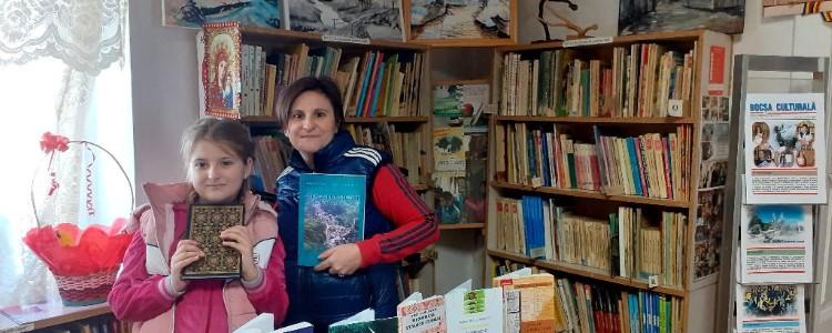"""La Bocșa sunt """"Îndrăgostiți de carte"""" de toate vârstele!"""
