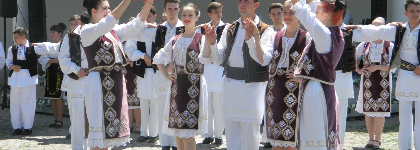 Sărbătoare și recunoștință de Sfintele Rusalii, la Bocșa!